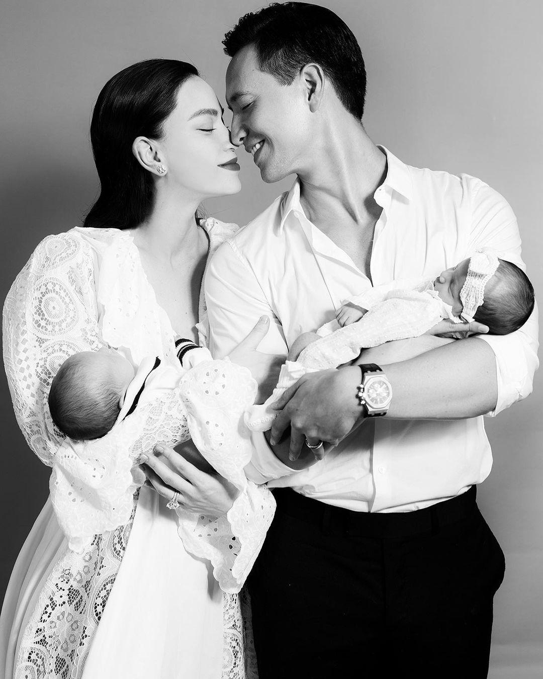 Hồ Ngọc Hà khoe khoảnh khắc cực ngọt ngào bên Kim Lý và cặp song sinh - Ảnh 2.