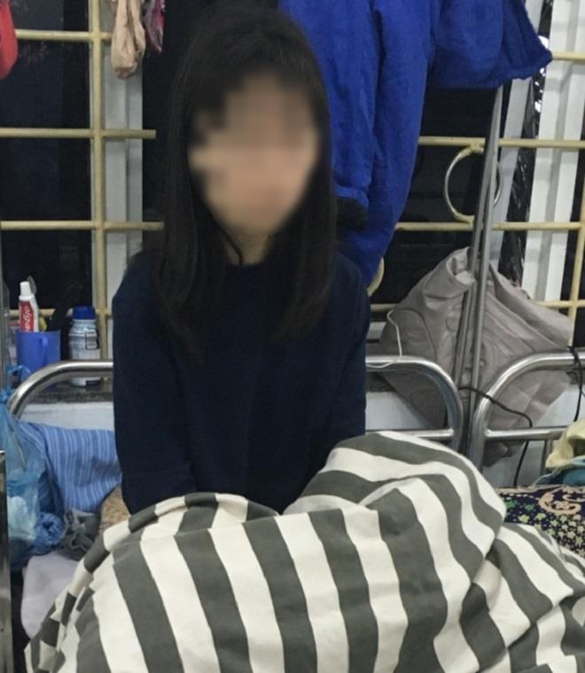 Từ học sinh giỏi cấp quốc gia, nữ sinh Nam Định bị tâm thần vì xem Youtube cả ngày: Thường xuyên lẩm bẩm một mình rồi đập phá đồ đạc - Ảnh 2.