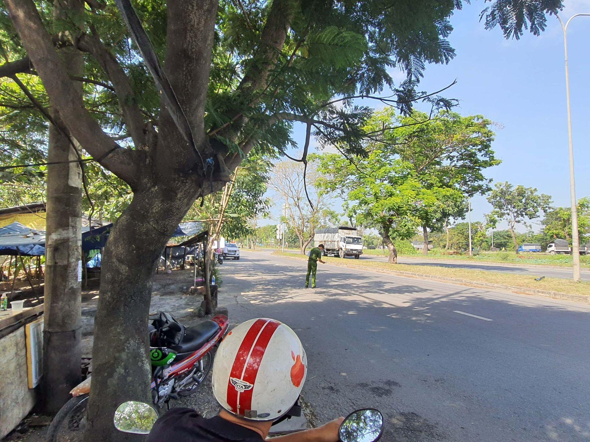 Bắt khẩn cấp 2 chú cháu vây đánh rồi tông ngã CSGT ở Sài Gòn - Ảnh 1.