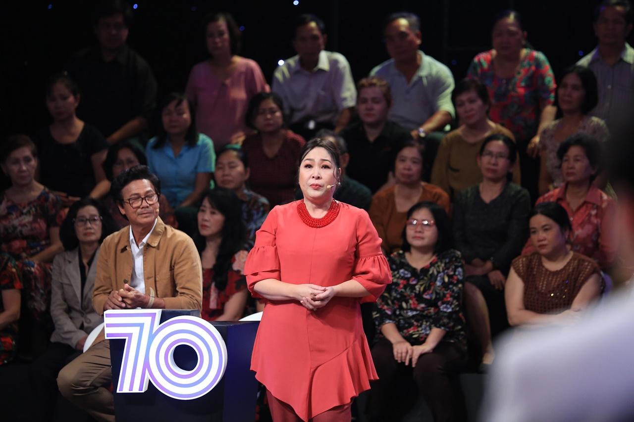 Ký ức vui vẻ: NSND Hồng Vân bật khóc trên truyền hình vì bị ức hiếp - Ảnh 4.