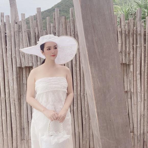 Kiều Loan khoe phong cách hiphop, Lưu Hương Giang tung ảnh tình tứ bên ông xã  - Ảnh 6.