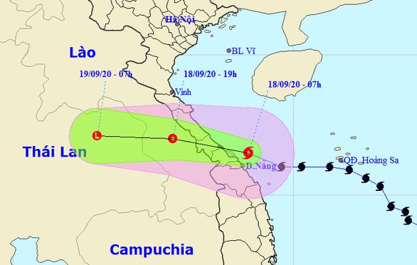 Bão số 5 vào Quảng Bình - Thừa Thiên Huế, suy yếu thành áp thấp nhiệt đới - Ảnh 1.