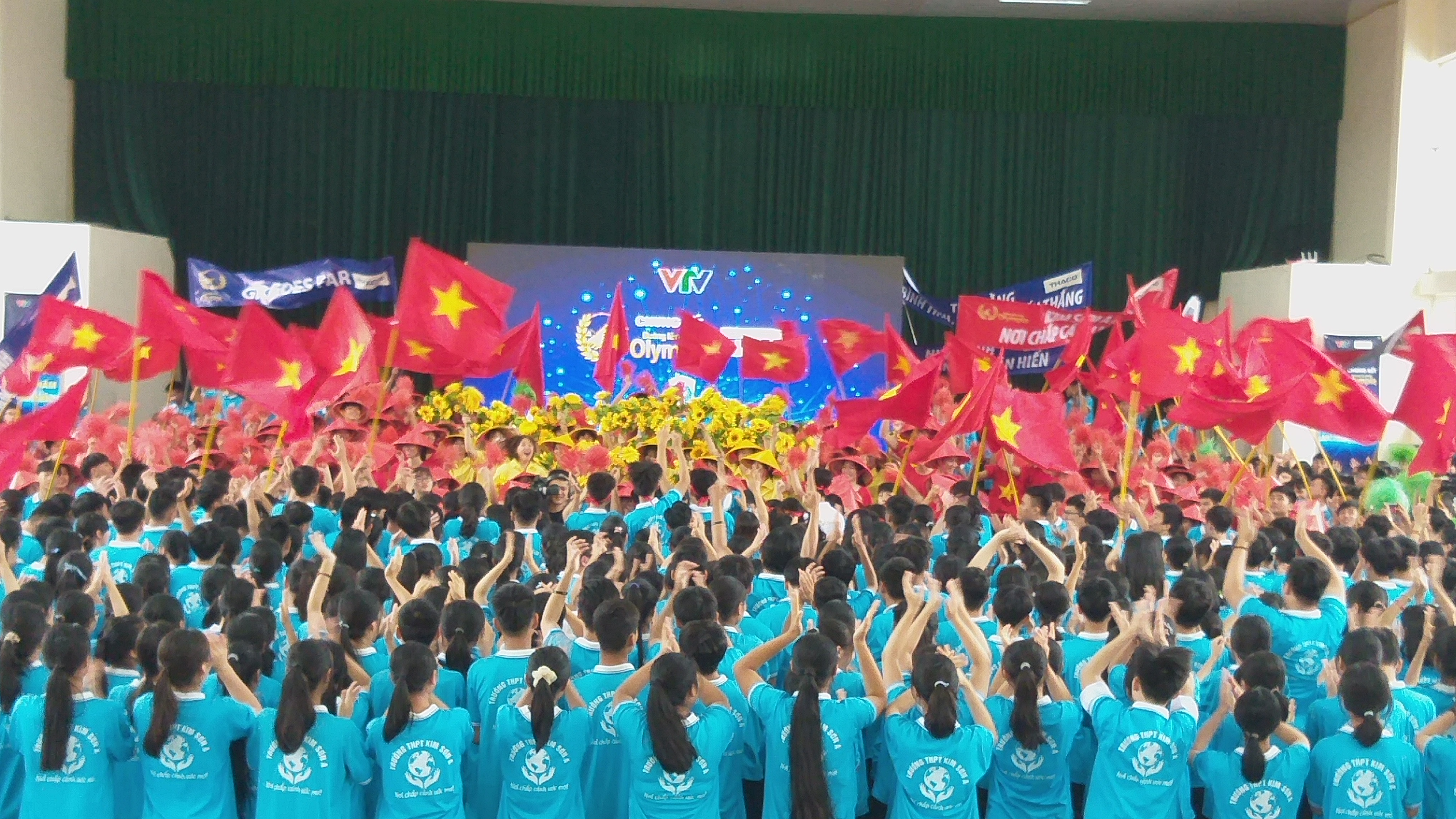 Xuất sắc về đích thí sinh Ninh Bình giành vòng nguyệt quế Đường lên đỉnh Olympia  - Ảnh 5.