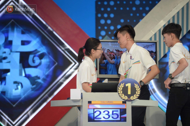 Á quân 2 lần khóc nức nở trên sóng truyền hình: Thánh phá kỷ lục Olympia, chỉ nói vỏn vẹn 2 từ về màn thi đấu của Quán quân - Ảnh 6.
