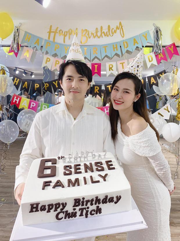Kiều Loan gây sốt với hình tượng gợi cảm, Ông Cao Thắng hạnh phúc đón tuổi mới bên bà xã - Ảnh 2.
