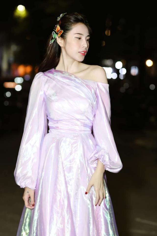Thủy Tiên tung bộ ảnh tựa như công chúa, Phương Nga - Bình An tình tứ tại sự kiện - Ảnh 1.