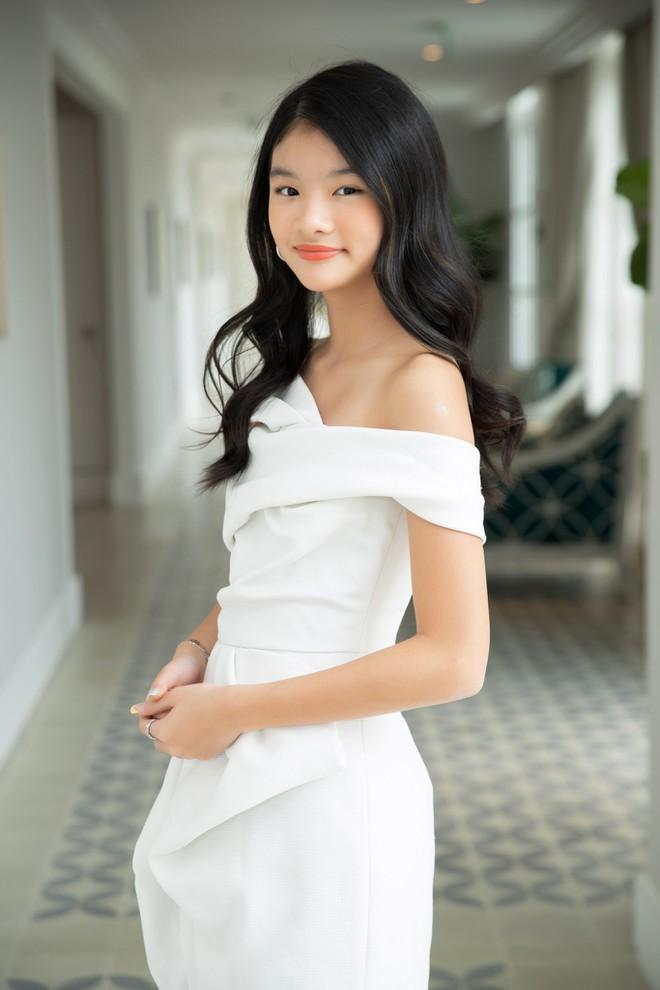 Nhan sắc con gái xinh đẹp, 13 tuổi đã được dự đoán là hoa hậu tương lai của Trương Ngọc Ánh - Trần Bảo Sơn - Ảnh 5.