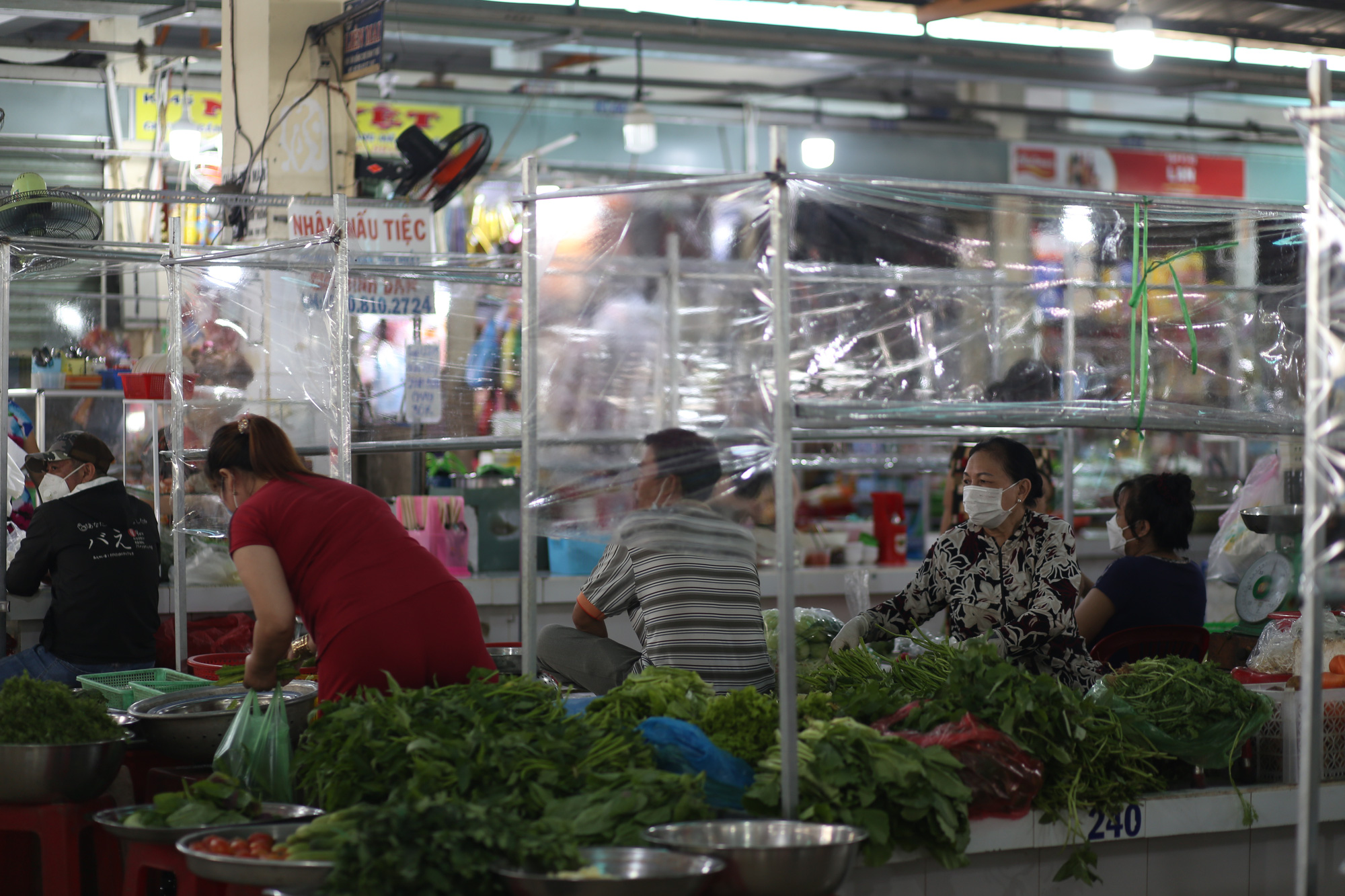 TP.HCM: Chợ truyền thống ế ẩm sau dịch - Ảnh 8.