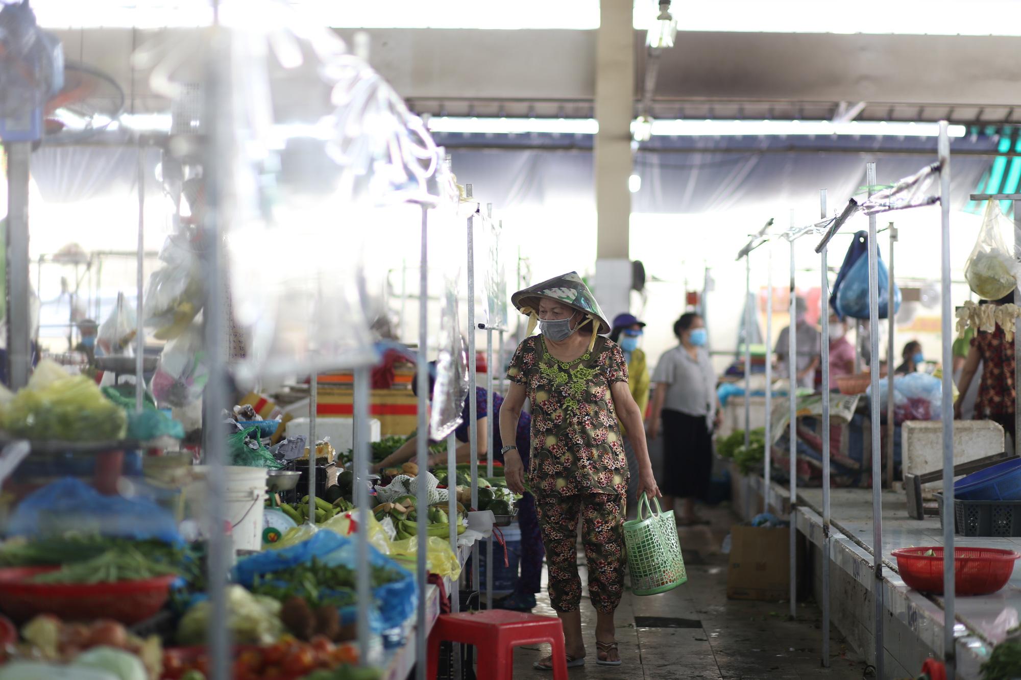 TP.HCM: Chợ truyền thống ế ẩm sau dịch - Ảnh 3.