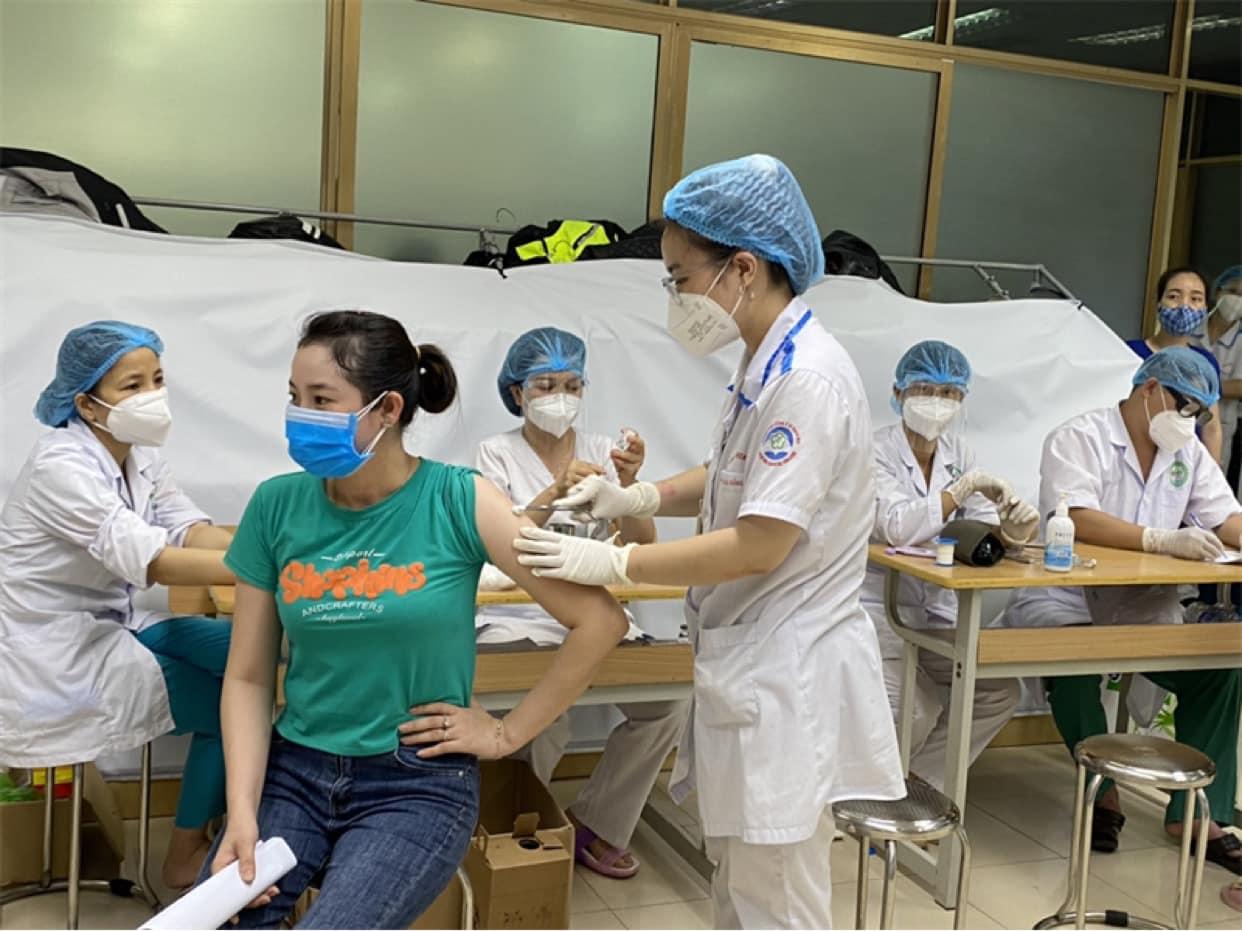 Trưa 14/10: Theo thông tin cập nhật trên Cổng tiêm chủng quốc gia đến trưa ngày 14/10, cả nước đã tiêm được 58,247,071 liều vaccine COVID-19; Các tỉnh Quảng Bình, Bến Tre thêm các F0 Quảng Bình, Bến Tre thêm các F0 - Ảnh 1.