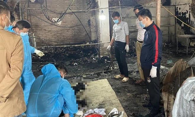 Cháy nhà ở Bắc Giang, phát hiện một thi thể biến dạng chưa rõ danh tính - Ảnh 1.