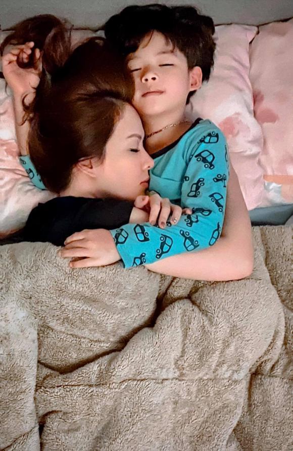 Tóc Tiên tung bộ ảnh phong cách, Hà Hồ chia sẻ khoảnh khắc gia đình hạnh phúc - Ảnh 6.