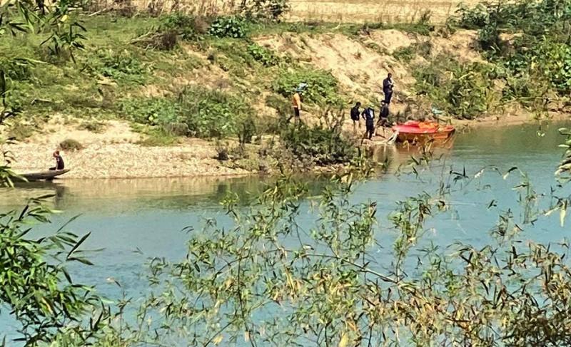 Tìm thấy thi thể thầy hiệu trưởng gieo mình xuống sông Lam tự tử - Ảnh 1.