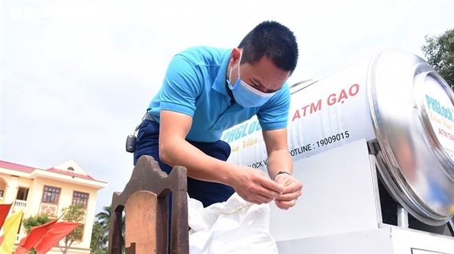 Ảnh: Hải Dương lắp đặt cây 'ATM gạo' miễn phí đầu tiên - Ảnh 5.