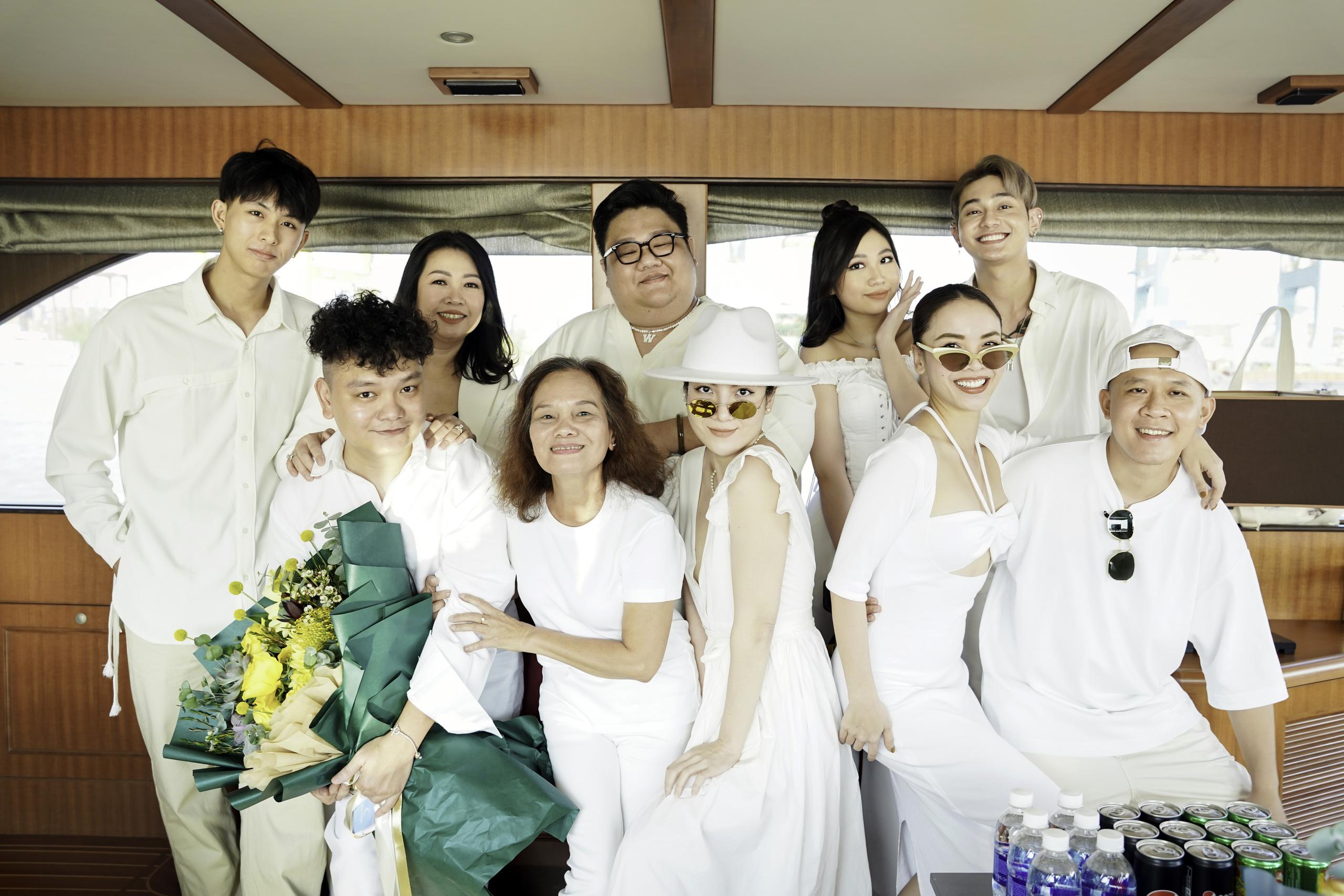 Yến Trang thân thiết bên Trịnh Tú Trung, Hoa hậu nhí cao 1m74 Ngọc Lan Vy chiếm spotlight vì quá xinh đẹp - Ảnh 5.