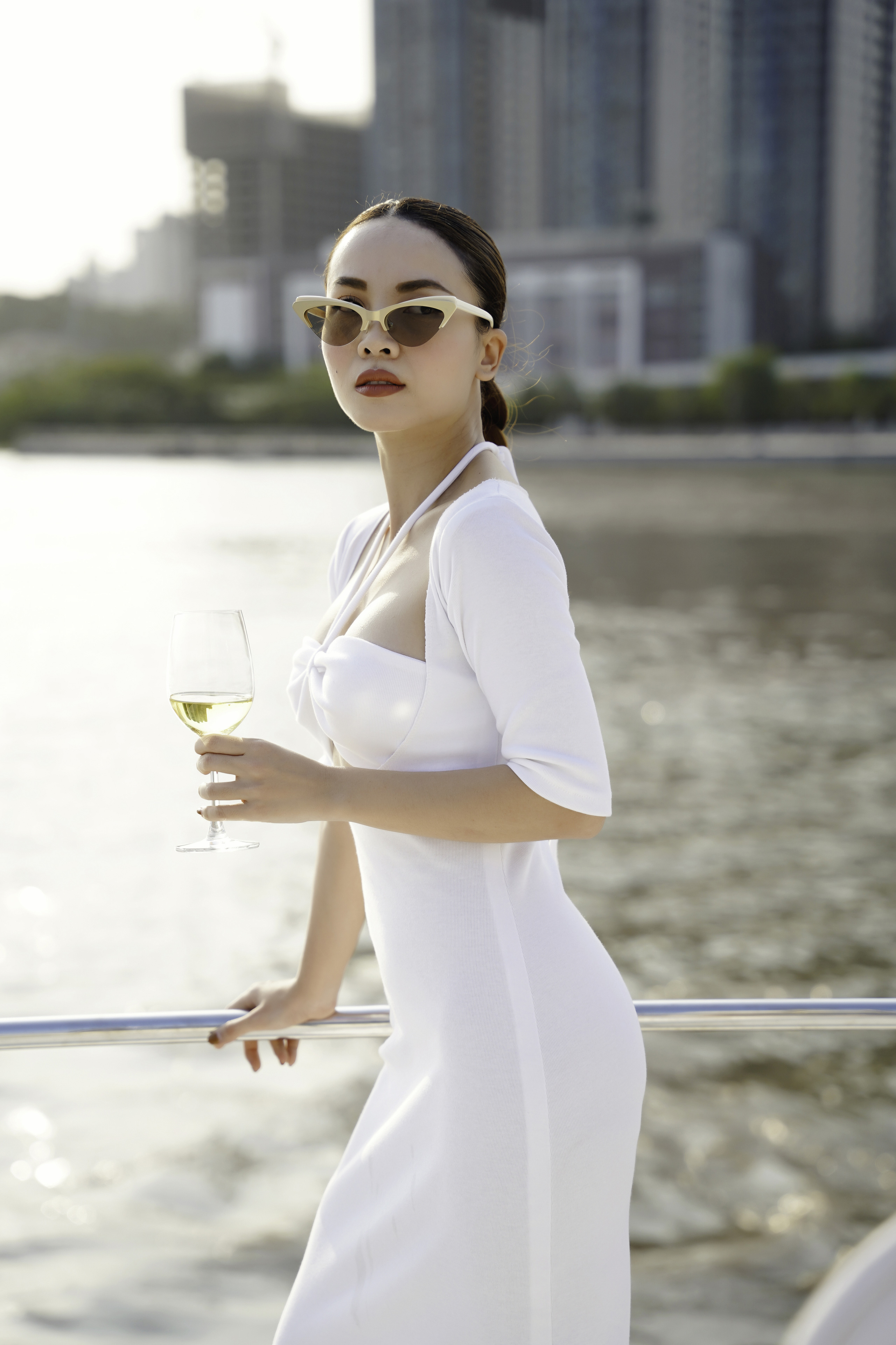 Yến Trang thân thiết bên Trịnh Tú Trung, Hoa hậu nhí cao 1m74 Ngọc Lan Vy chiếm spotlight vì quá xinh đẹp - Ảnh 1.