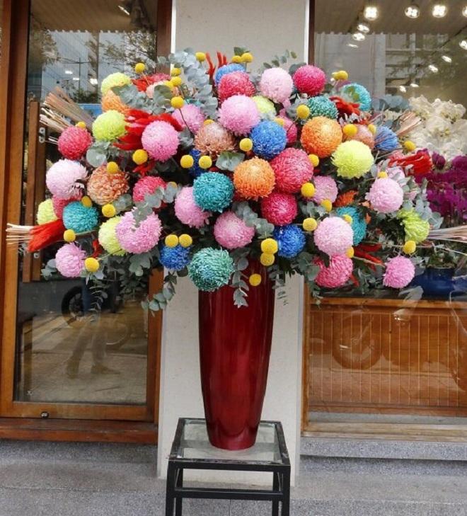Dân nhà giàu đồng loạt chi vài chục triệu đồng mua hoa 8/3 - Ảnh 3.