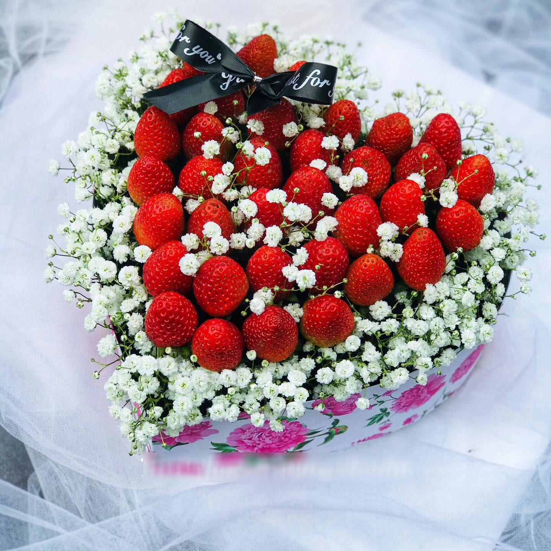 """""""Bỏng tay"""" với bó hoa dâu tây siêu lạ, ngắm đẹp, ăn ngon dịp 8/3 - Ảnh 4."""