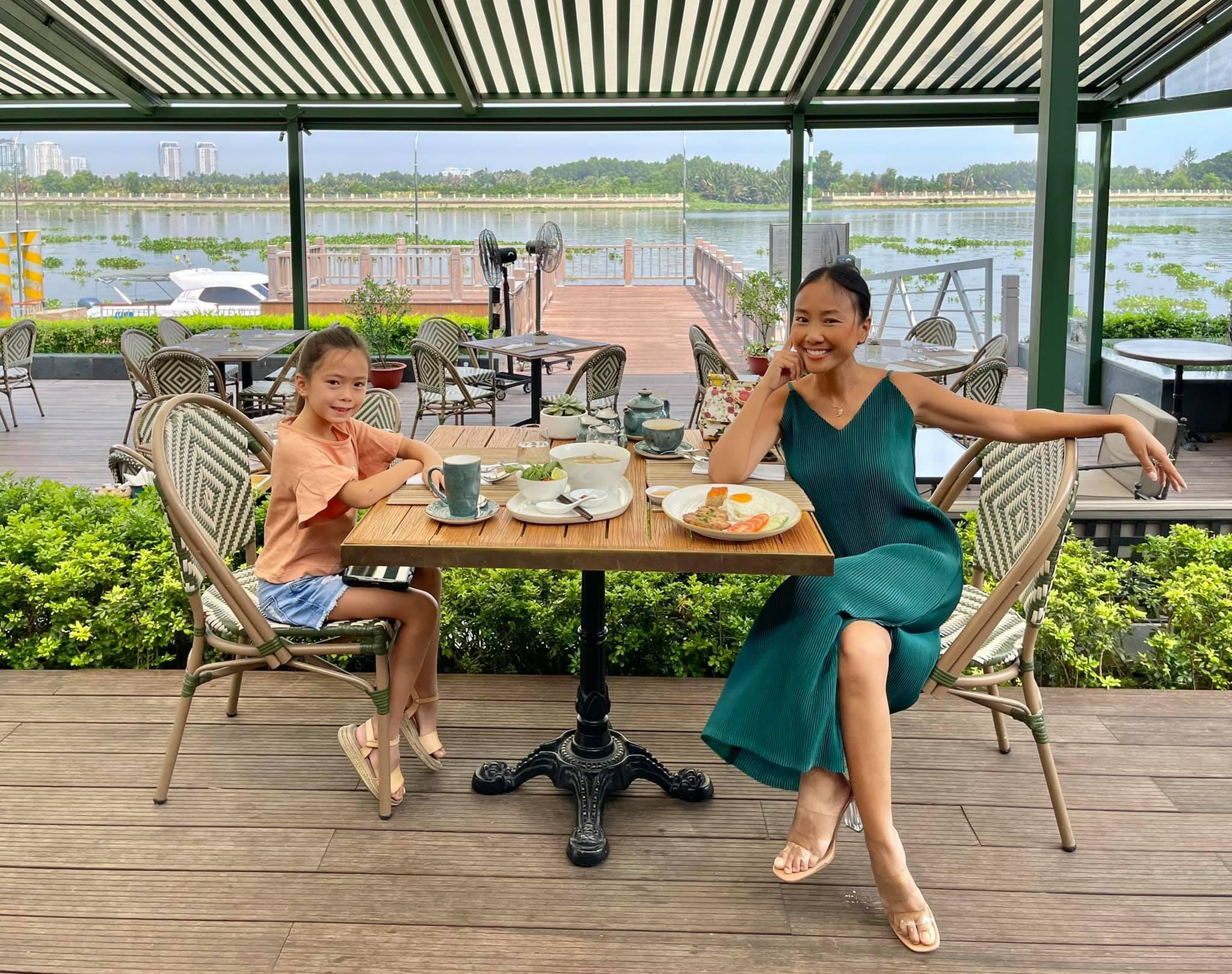 Con gái Đoan Trang bùng nổ visual qua bộ ảnh mẹ chụp, mới bé xíu mà thần thái và nhan sắc ra dáng mỹ nhân Vbiz tương lai! - Ảnh 5.