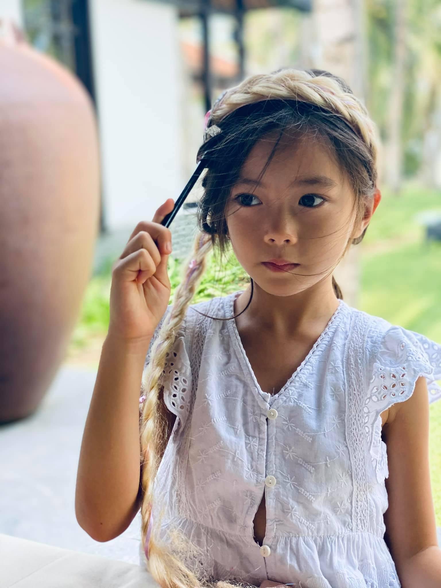 Con gái Đoan Trang bùng nổ visual qua bộ ảnh mẹ chụp, mới bé xíu mà thần thái và nhan sắc ra dáng mỹ nhân Vbiz tương lai! - Ảnh 2.