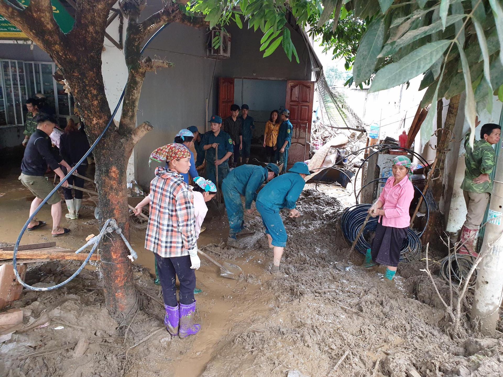 Nguyên nhân xảy ra lũ ống trong đêm khiến 3 người chết ở Lào Cai - Ảnh 3.