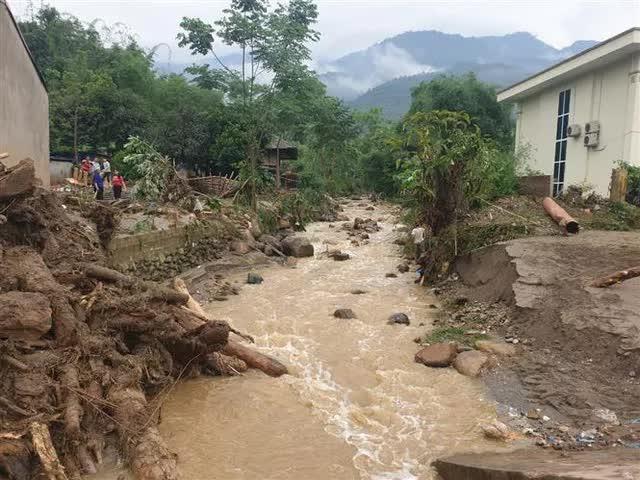 Nguyên nhân xảy ra lũ ống trong đêm khiến 3 người chết ở Lào Cai - Ảnh 4.