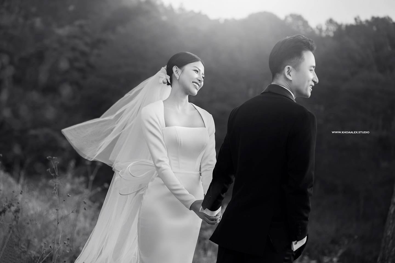 Nhìn ảnh cưới của Phan Mạnh Quỳnh mà mê mẩn trước nhan sắc cô dâu: Từ gương mặt đến vóc dáng gợi cảm chẳng kém Hoa hậu - Ảnh 5.
