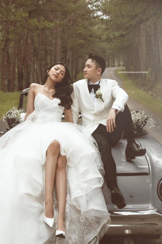 Nhìn ảnh cưới của Phan Mạnh Quỳnh mà mê mẩn trước nhan sắc cô dâu: Từ gương mặt đến vóc dáng gợi cảm chẳng kém Hoa hậu - Ảnh 1.
