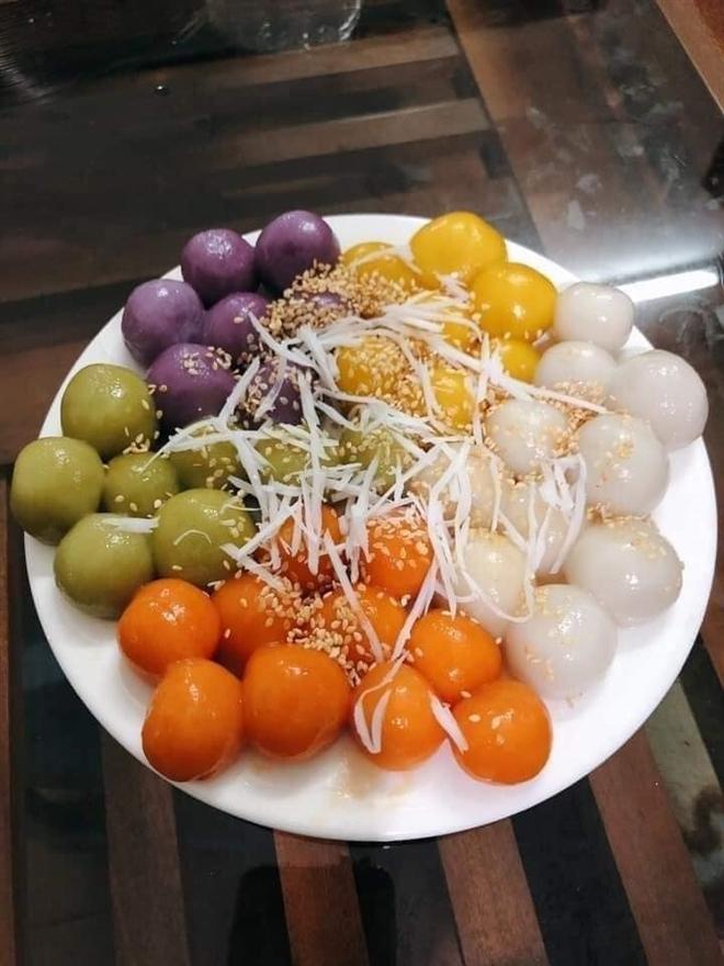Gần Tết Hàn thực, bột bánh trôi ngũ sắc hút khách - Ảnh 4.
