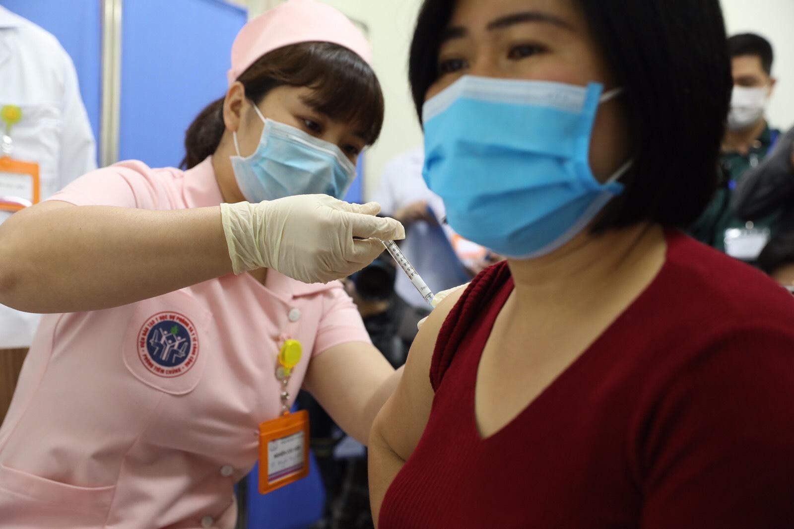 """Bộ Y tế: Mục tiêu năm 2021 có vaccine COVID-19 """"made in"""" Việt Nam - Ảnh 1."""