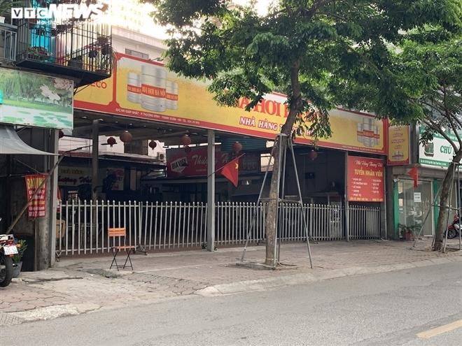Cận cảnh loạt quán bia lớn ở Hà Nội 'vườn không nhà trống' giữa mùa hốt bạc - Ảnh 5.