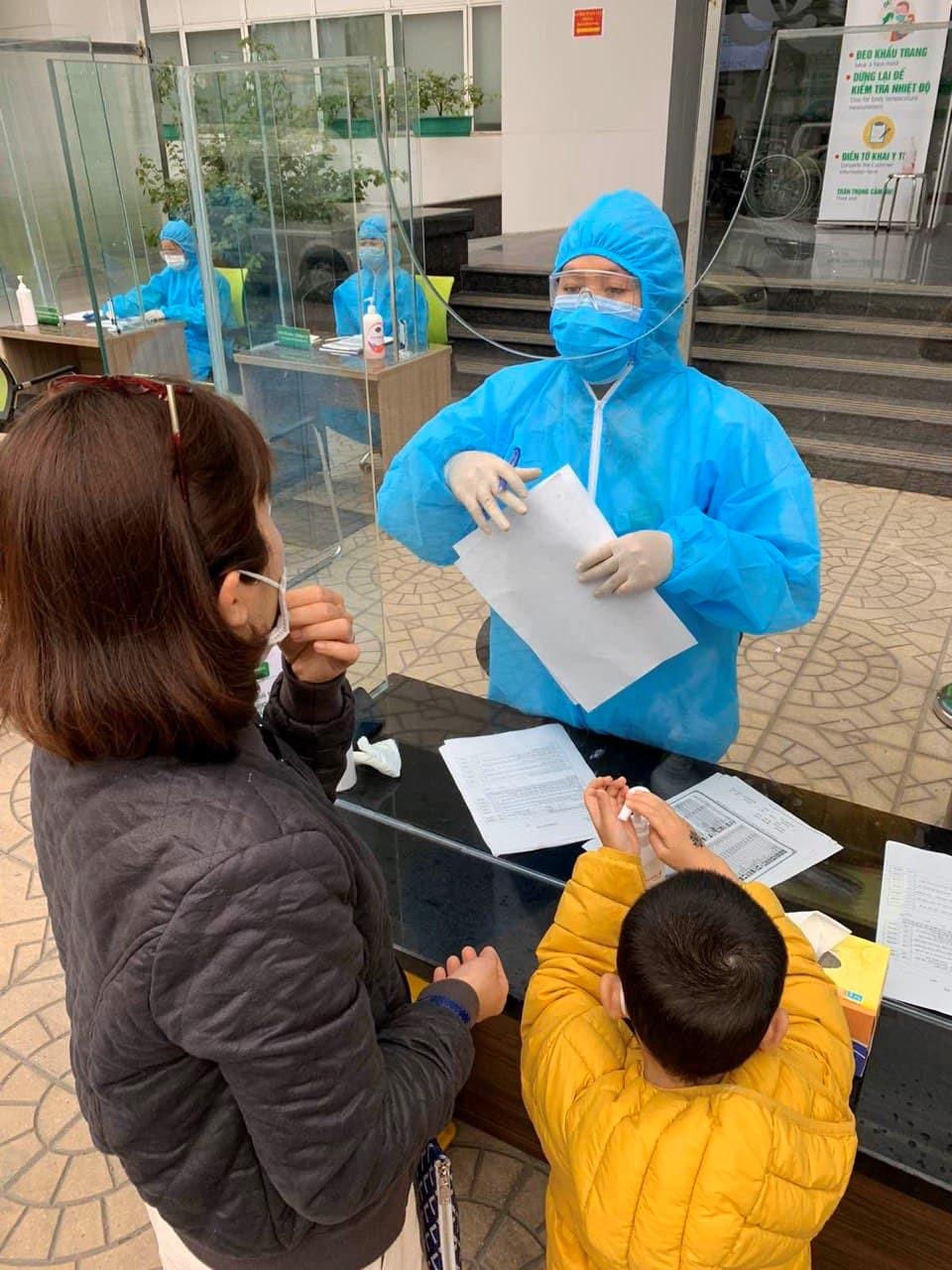 Bệnh viện Thu Cúc nói về trường hợp mắc Covid-19 ở Hà Nội đến Phòng khám - Ảnh 2.
