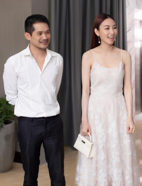 Diễm My tung bộ ảnh cực hút mắt, Khánh Vân đẹp dịu dàng khi diện áo dài - Ảnh 4.