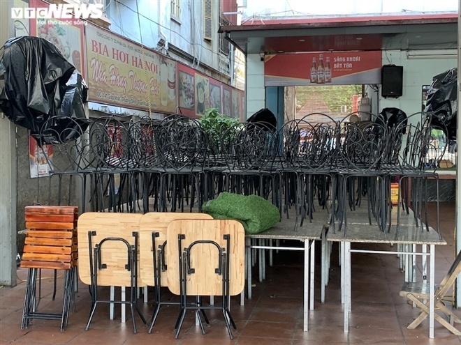 Cận cảnh loạt quán bia lớn ở Hà Nội 'vườn không nhà trống' giữa mùa hốt bạc - Ảnh 6.