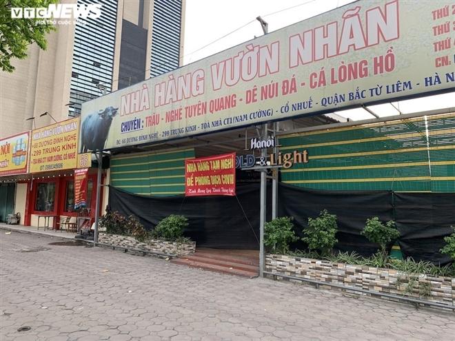 Cận cảnh loạt quán bia lớn ở Hà Nội 'vườn không nhà trống' giữa mùa hốt bạc - Ảnh 9.