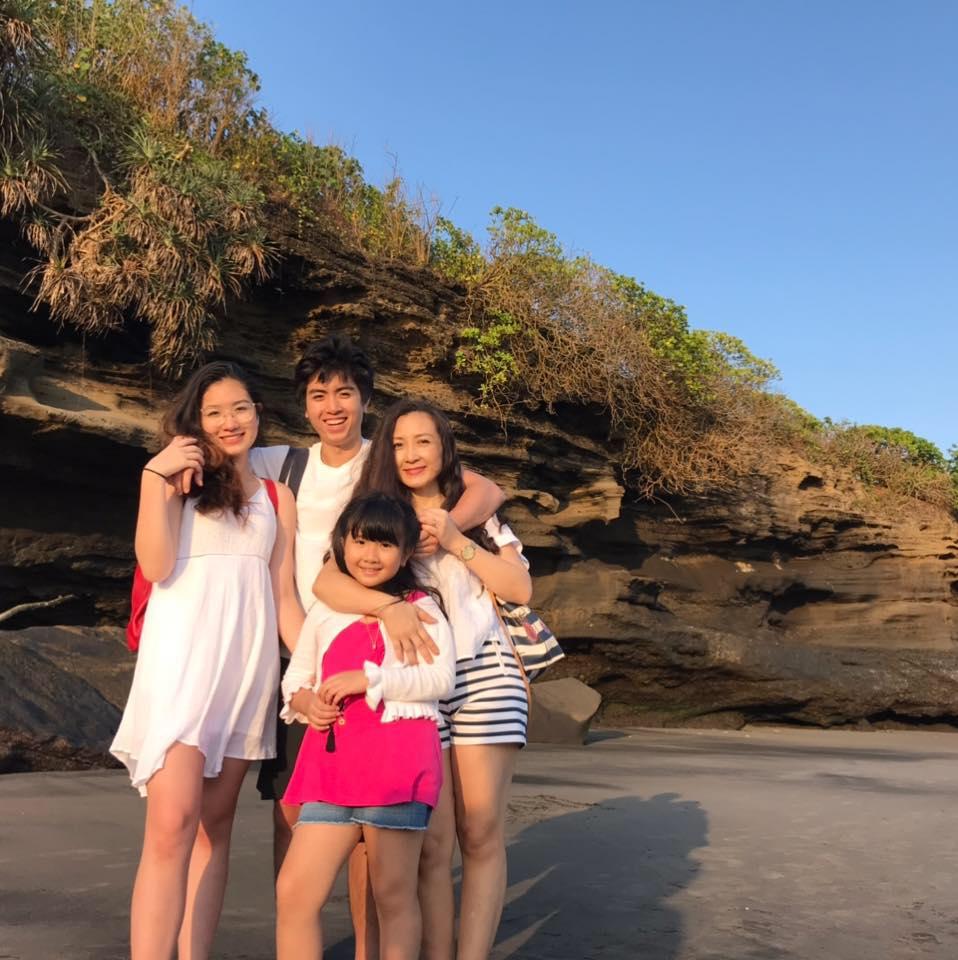 Diễn viên Khánh Huyền và hôn nhân thứ 2: Ông xã rất quý và chăm bé như cha đẻ - Ảnh 5.