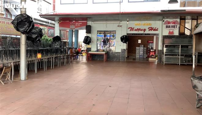 Cận cảnh loạt quán bia lớn ở Hà Nội 'vườn không nhà trống' giữa mùa hốt bạc - Ảnh 8.