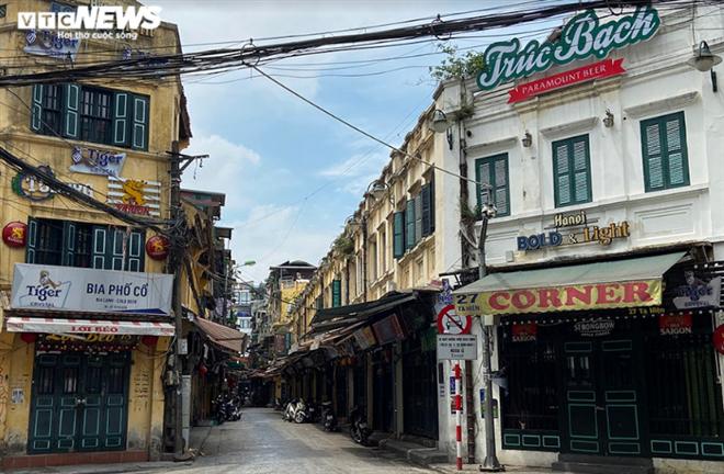 Cận cảnh loạt quán bia lớn ở Hà Nội 'vườn không nhà trống' giữa mùa hốt bạc - Ảnh 16.