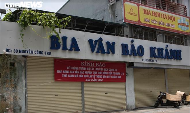 Cận cảnh loạt quán bia lớn ở Hà Nội 'vườn không nhà trống' giữa mùa hốt bạc - Ảnh 17.