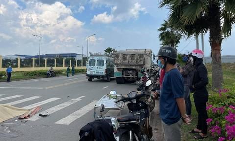 Xe máy chở 3 cô gái tự gây tai nạn, 2 người chết tại chỗ, 1 người nguy kịch - Ảnh 4.