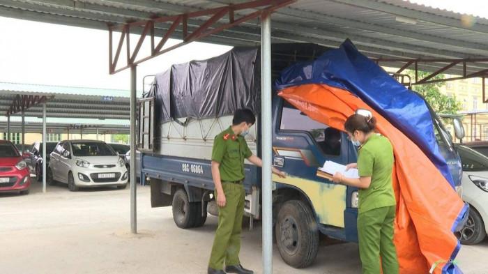 Tin giao thông mới nhất ngày 13/5: Xe máy chở 3 tự gây tai nạn, 2 người tử vong  - Ảnh 6.
