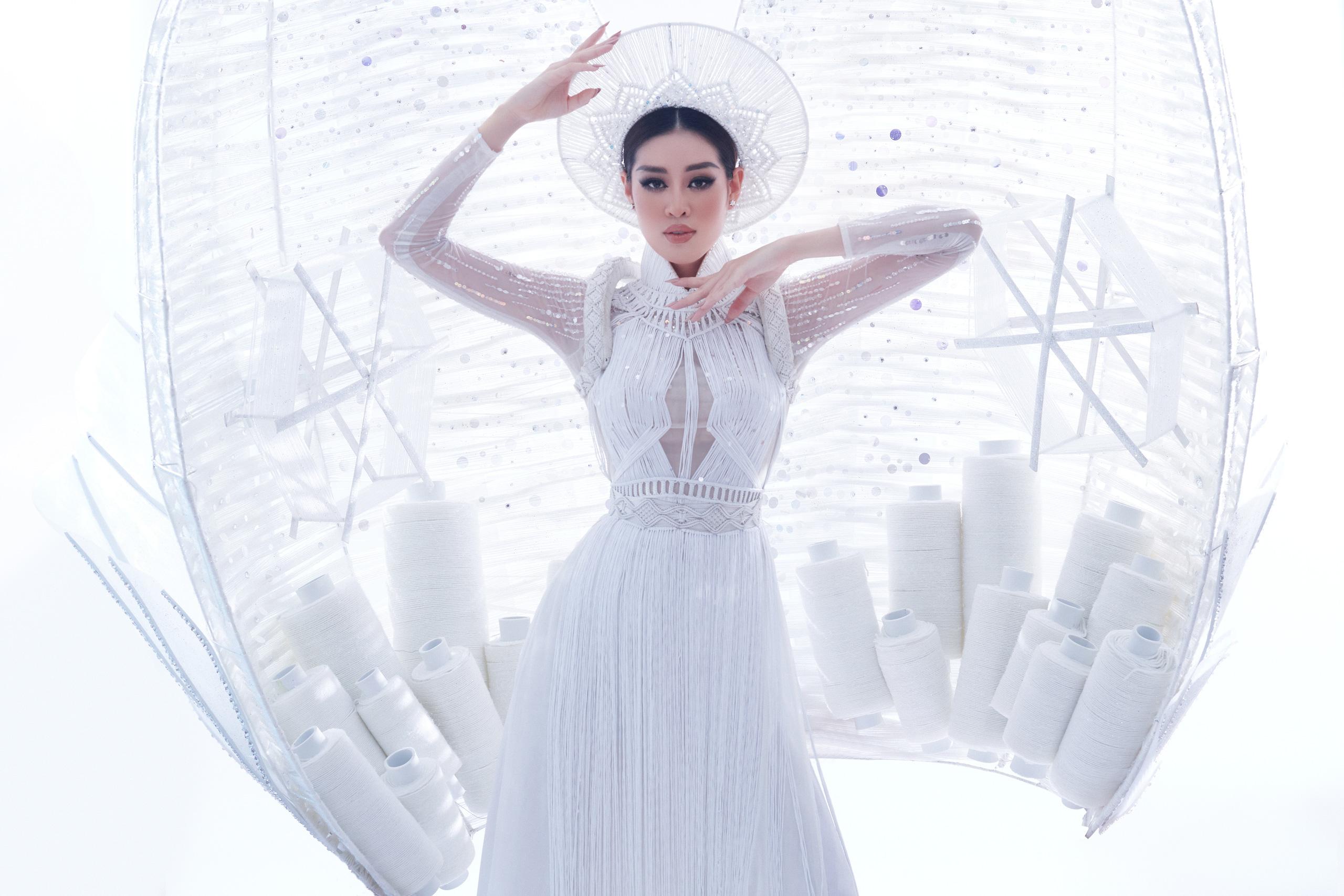Khánh Vân xuất hiện theo cách chưa từng có tại Hoa hậu Hoàn vũ Thế giới khiến khán giả trầm trồ  - Ảnh 10.