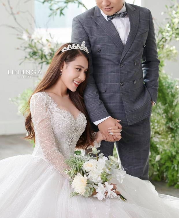 Hồ Bích Trâm hé lộ không gian tiệc cưới ở quê, quyết giấu kín danh tính ông xã - Ảnh 6.