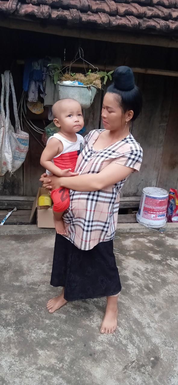 Xót thương hoàn cảnh của bé trai 3 tuổi mắc ung thư võng mạc tung tăng trở về nhà sau 28 ngày cách ly ở bệnh viện K - Ảnh 6.