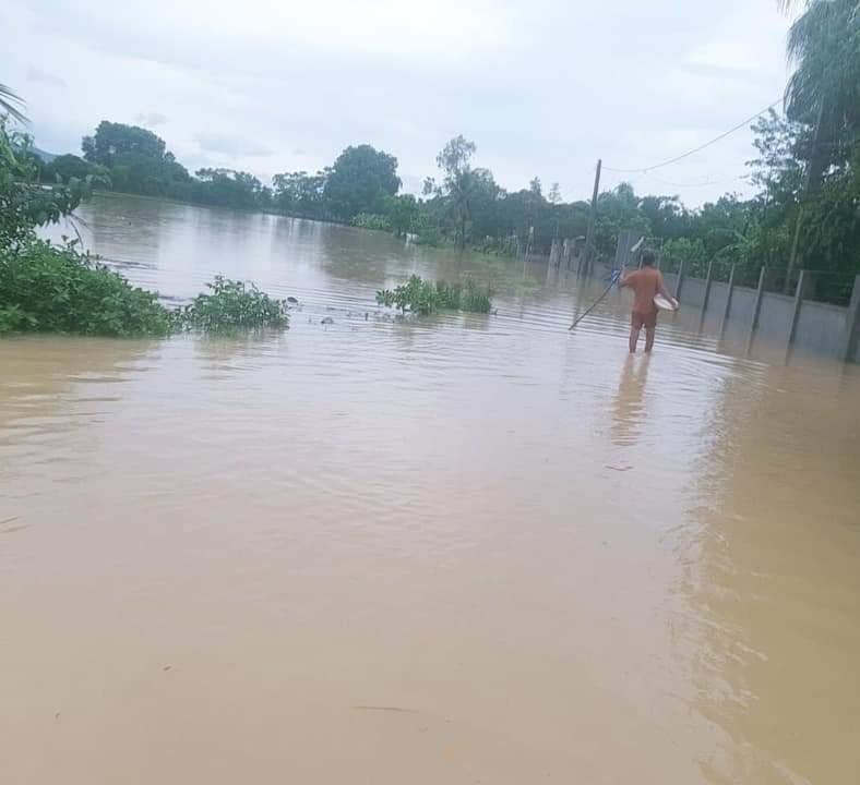 """Bão số 2 """"lướt qua"""" gây thiệt hại tại nhiều địa phương, vùng dịch Hà Tĩnh ngập lụt nghiêm trọng - Ảnh 1."""