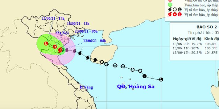 Bão số 2 giật cấp 10 đổ bộ đất liền từ Thái Bình đến Nghệ An, gây mưa dông gió giật cho khu vực Bắc Bộ - Ảnh 1.