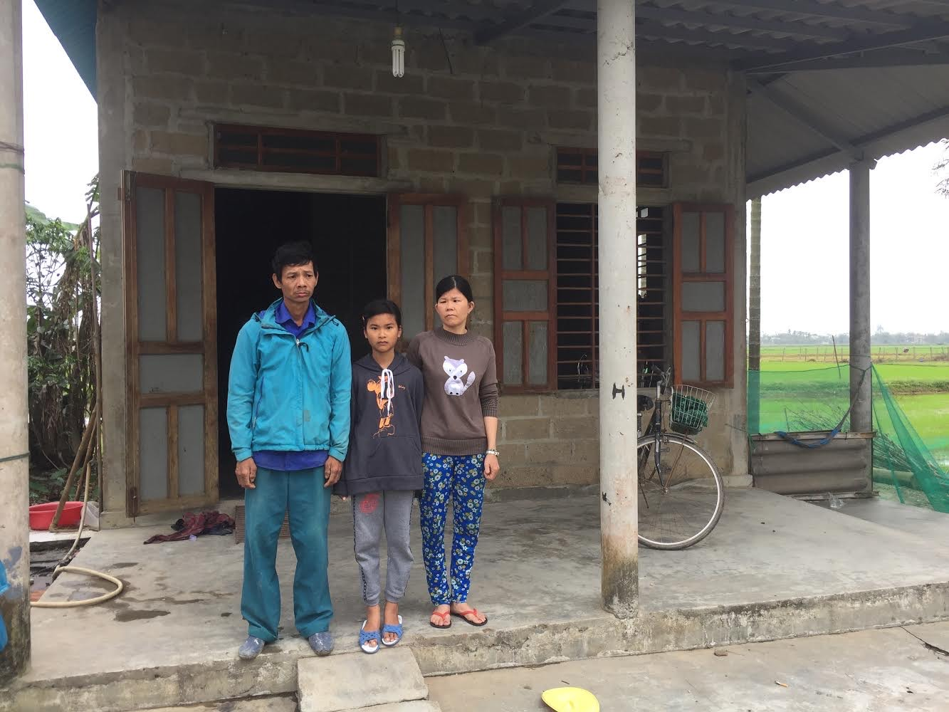 Xót xa hoàn cảnh bố bị câm điếc, mẹ bệnh tật nuôi con học giỏi ở Thừa Thiên Huế - Ảnh 2.