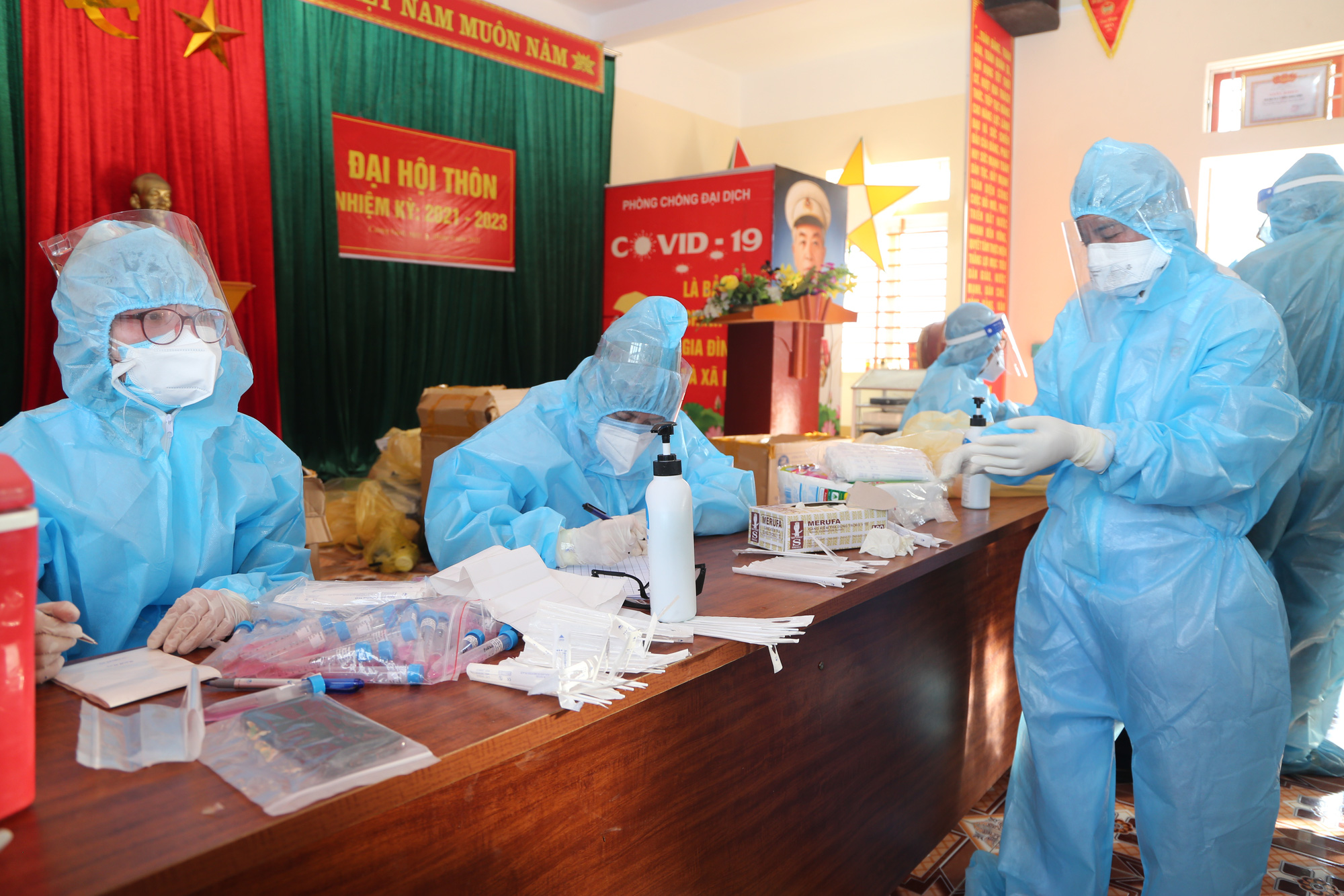 """Cuộc sống người dân """"làng xuất ngoại"""" ở Hà Tĩnh sau ngày phong tỏa"""
