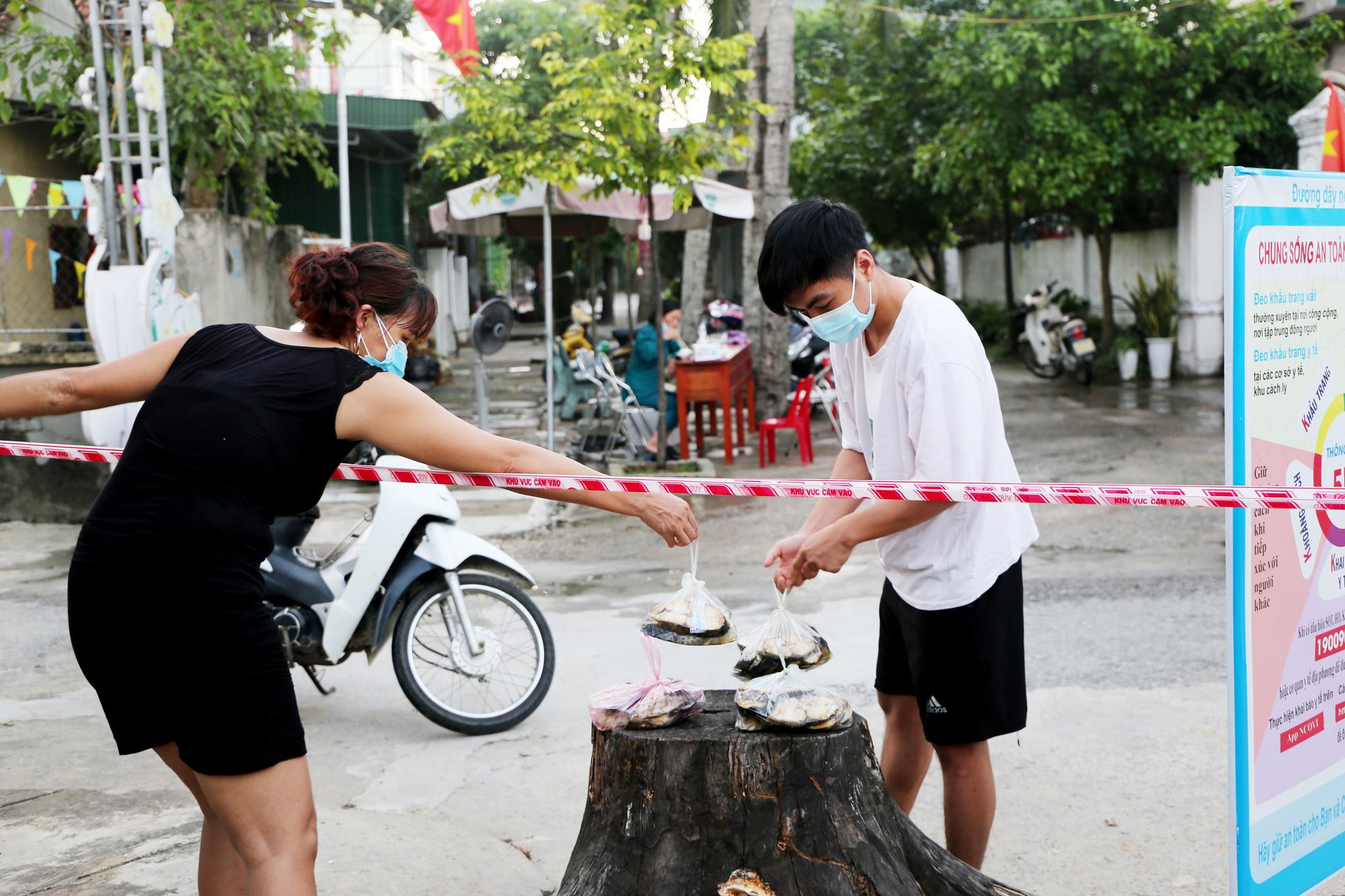 Cuộc sống người dân làng xuất ngoại ở Hà Tĩnh sau ngày phong tỏa - Ảnh 7.