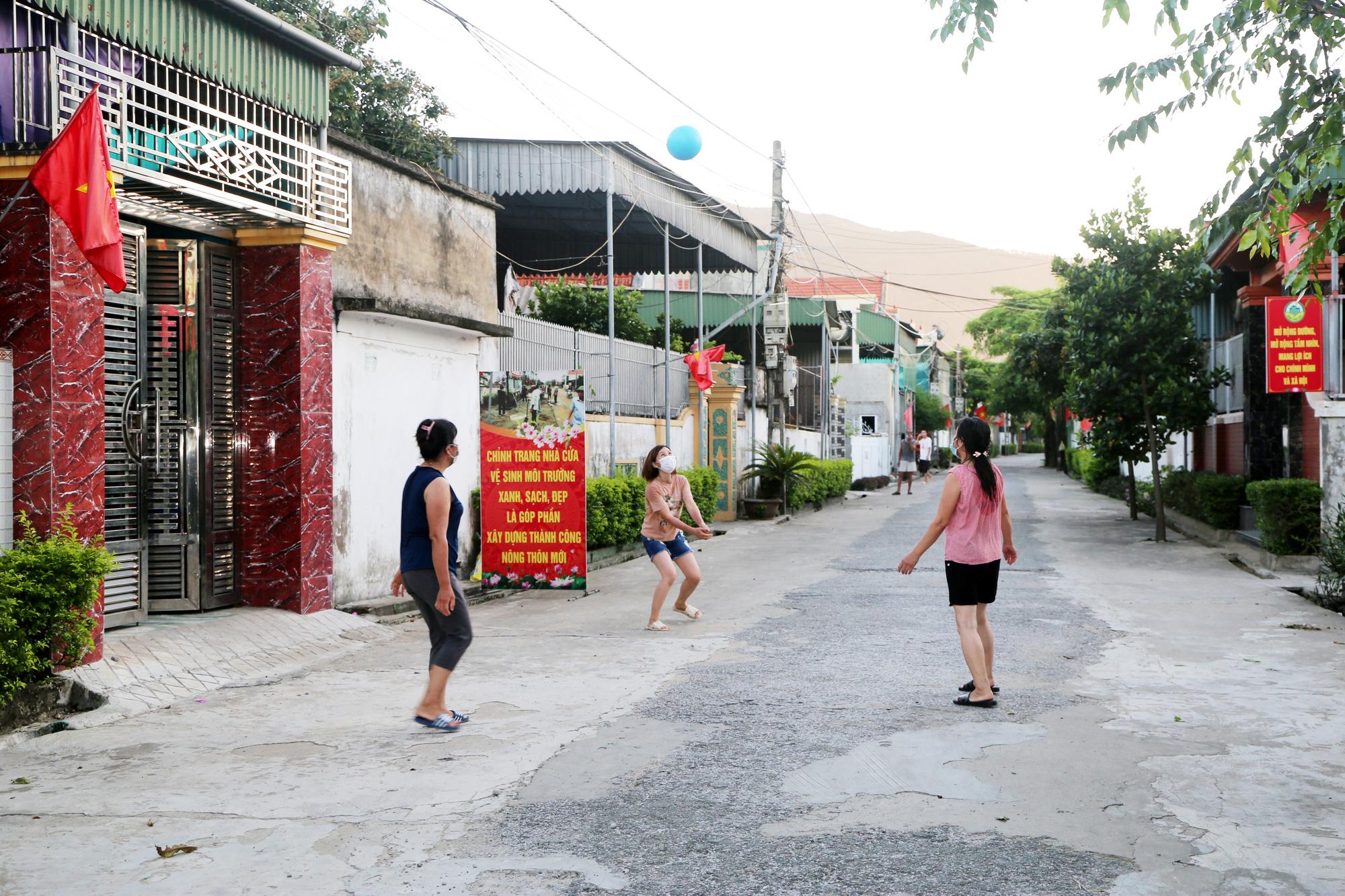 Cuộc sống người dân làng xuất ngoại ở Hà Tĩnh sau ngày phong tỏa - Ảnh 13.